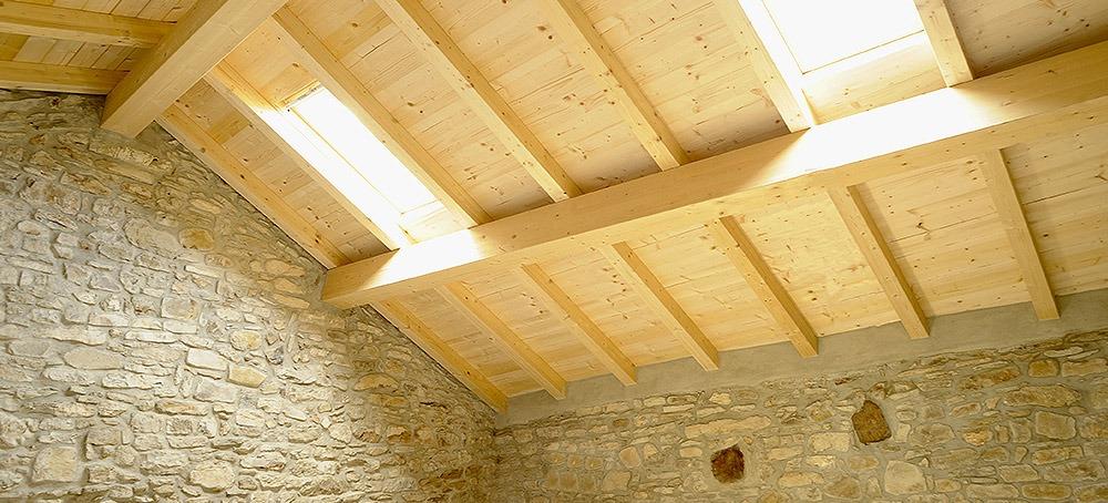 Isolamento acustico tetto e mansarde soluzioni antivibranti - Tetto in legno interno ...